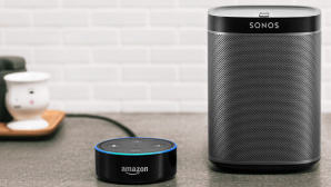 Sonos Play und Amazon Echo Dot © Sonos