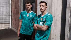 DFB-Trikot 2018 Auswärts ©Adidas