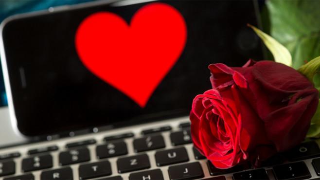 Dating im Netz ©dpa Bildfunk