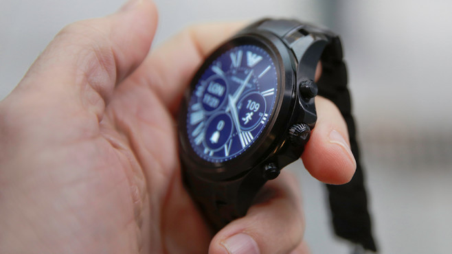 Armani Connected: Smartwatch im Detail © COMPUTER BILD