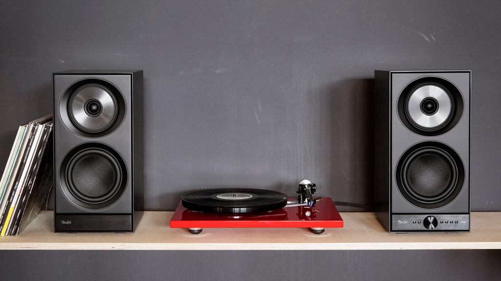 teufel stereo m wlan boxen im test audio video foto bild. Black Bedroom Furniture Sets. Home Design Ideas