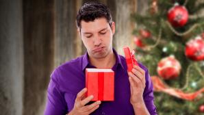 Enttäuschendes Weihnachtsgeschenk ©magdal3na - Fotolia.com, detailblick-foto-Fotolia.com