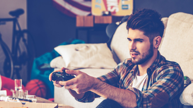 WHO: Machen Videospiele süchtig? Wird Videospielsucht bald eine anerkannte Krankheit? ©istock/g-stockstudio