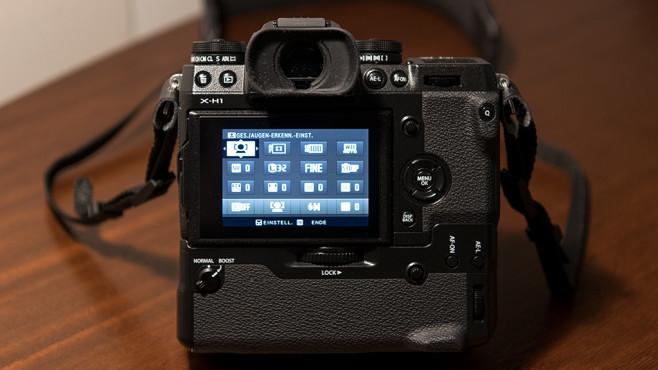 Fujifilm X-H1: Batteriegriff VPB-XH1©COMPUTER BILD