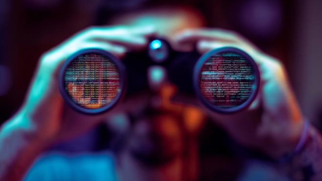 Wirtschaftsspionage durch Suchmaschinen ©iStock.com/Marco_Piunti