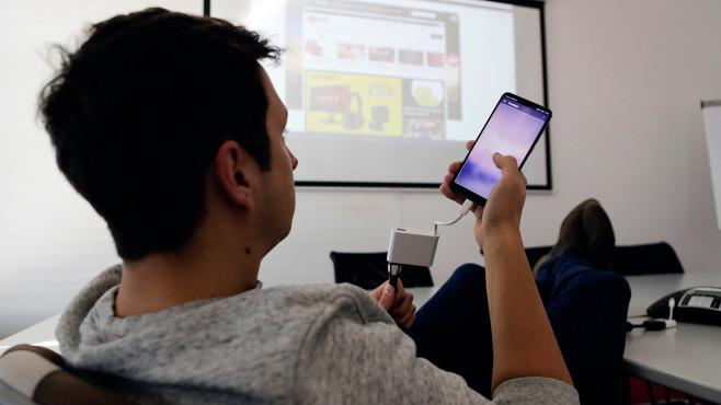 Huawei P20 Pro: Verbindung mit TV oder Beamer ©COMPUTER BILD