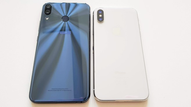 Asus Zenfone 5 Apple iPhone X © COMPUTER BILD/Michael Huch