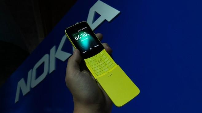 Nokia 8110 4G in gelber Farbe ©COMPUTER BILD