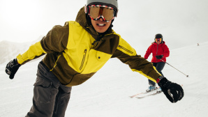 Skifahrer mit Apple Watch Series 3 © Apple