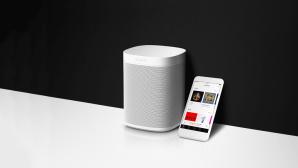 Sonos und Smartphone mit Audible ©Sonos