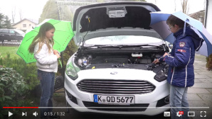 Ford mit Jugend-forscht-Gewinnern © Screenshot YouTube https://www.youtube.com/watch?v=X5IreuF-tOY&feature=youtu.be