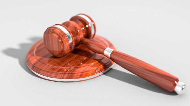 Richterhammer auf Resonanzblock ©Copyright: pexels.com