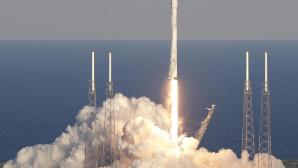 Falcon-9-Rakete hebt ab ©dpa/John Raoux
