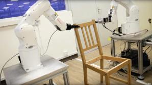 Roboter montiert IKEA-Stuhl ©Universiät Nanyang