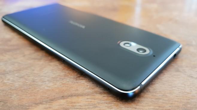 Nokia 3.1: Alu-Rahmen©COMPUTER BILD