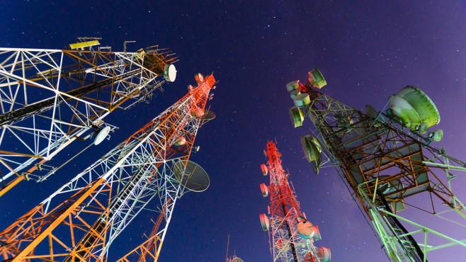 D-Netz vs. E-Netz: Tarife, Kosten & Unterschiede ©iStock.com/primeimages