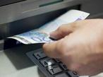Geld abheben: Banken führen Mindestbeträge ein