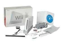 Ausgepackt: Wii mit Lieferumfang inklusive �Wii-Sports�.