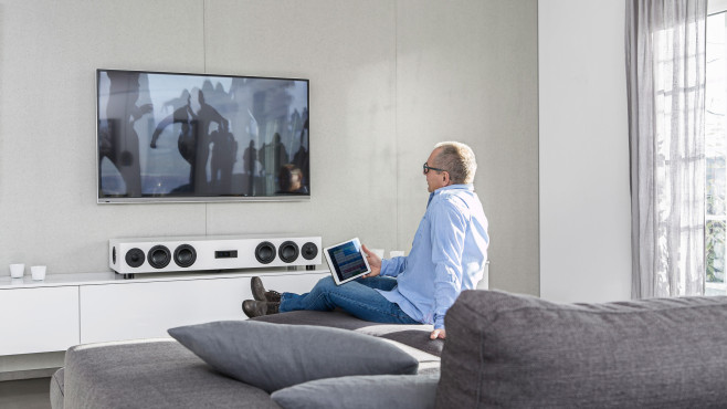 Soundbars und Sounddecks © Nubert
