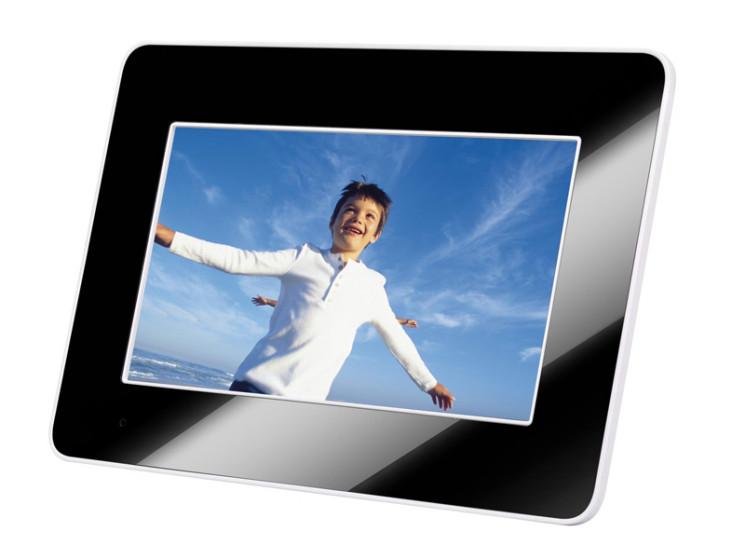 Af5085s af5105ms neue digitale bilderrahmen von for Digitaler bilderrahmen holzoptik