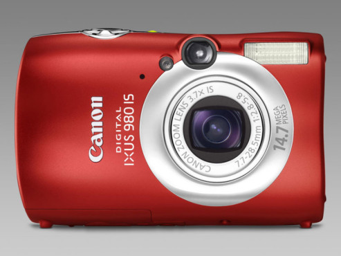 Canon Ixus 980 IS in Rot