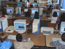 Jugendliche am PC