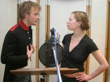 Schauspieler vor Mikrofon