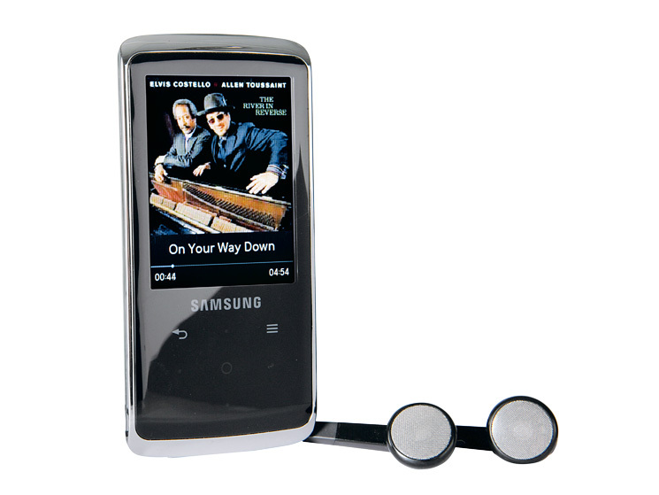 test mp3 player samsung yp q2 4 gb audio video foto bild. Black Bedroom Furniture Sets. Home Design Ideas