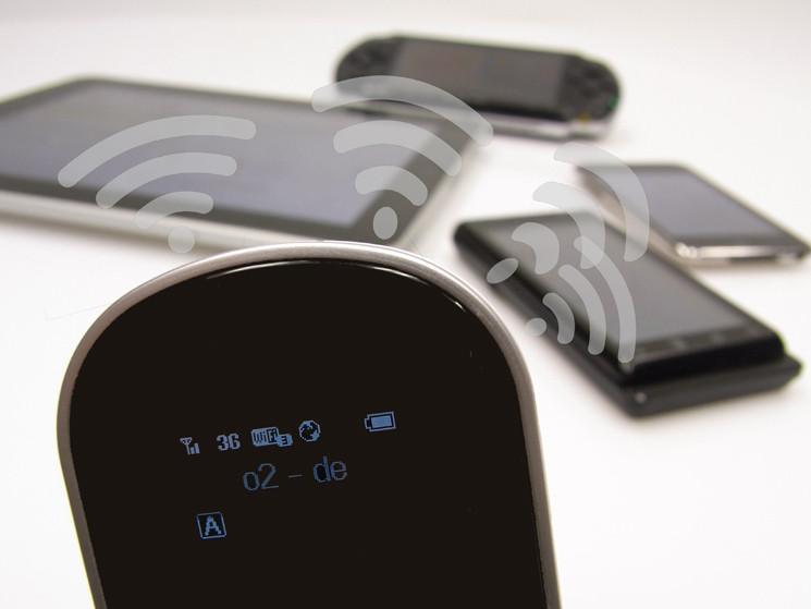 praxis test mobiler wlan zugangspunkt huawei e5. Black Bedroom Furniture Sets. Home Design Ideas