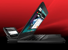 Smartphone Motorola Atrix 4G mit Laptop Dock ©Motorola