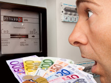 Ein falscher Strom-Tarif kostet Sie mehrere Hundert Euro im Jahr. ©Markus Bormann - Fotolia.com