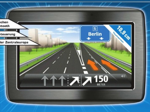 TomTom Via 120 CE Traffic © Saturn
