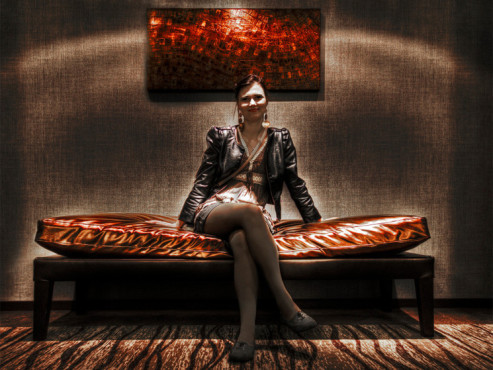 lady on a couch - von: aj-photo © lady on a couch - von: aj-photo