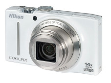 Nikon Coolpix S8200&nbsp;&copy;&nbsp;COMPUTER BILD