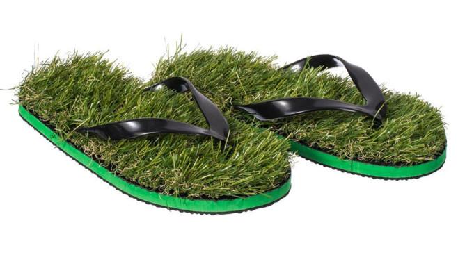 VENKON - Gras Flip Flops Zehentrenner Strandschuhe mit Kunstrasen ©Amazon