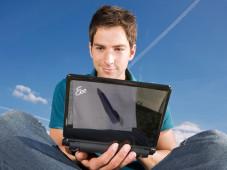 Daten-Tarife: Surfen mit Notebook und UMTS-Stick schon für unter 10 Euro pro Monat. ©Deutsche Telekom