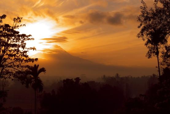 Sonnenaufgang in Indonesien – von: fernandog ©fernandog