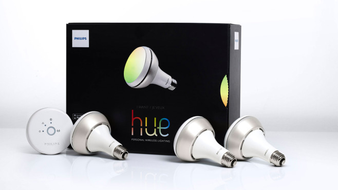 philips hue led birne leuchtet in beliebigen farben computer bild. Black Bedroom Furniture Sets. Home Design Ideas