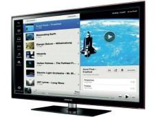Samsung-TV mit Spotify-Oberfläche ©Montage: COMPUTER BILD