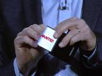 Samsung Galaxy Q: Smartphone mit zwei flexiblen Touchscreens ©Samsung / YouTube