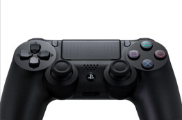 Playstation 4: Controller ©Sony