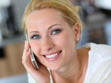 Verivox: Die zehn günstigsten Smartphone-Tarife unter 20 Euro Mit dem Tarifrechner von Verivox ermitteln Sie jetzt den für Sie günstigsten Smartphone-Tarif. ©goodluz - Fotolia.com