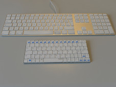 Größenvergleich Rapoo E6300 und Mac-Tastatur ©COMPUTER BILD