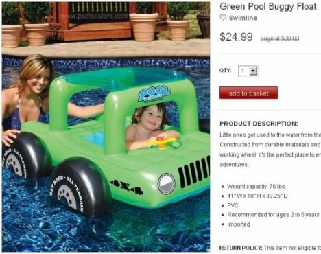 Baby in aufblasbarem Schwimm-Auto ©psdisasters.com