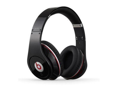 Monster Beats Studio by Dr. Dre © Beats by Dr. Dre