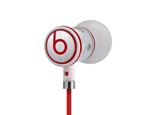 Monster iBeats with ControlTalk © Beats by Dr. Dre