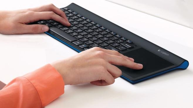 Logitech Wireless All-in-One Keyboard TK820 ©Logitech