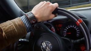 Nissan Nismo Smartwatch im Einsatz ©Nissan