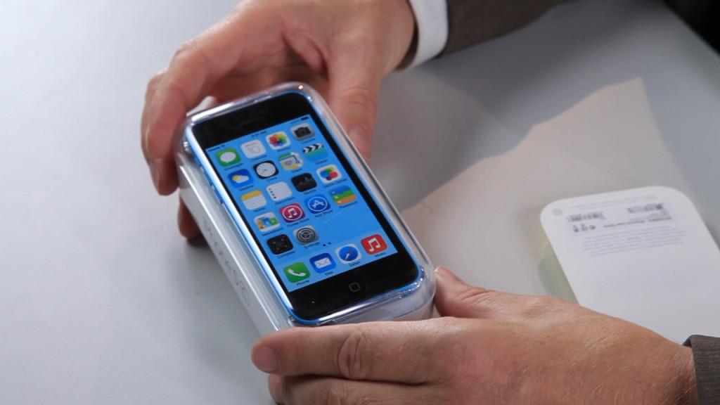 Apple iPhone 5C ausgepackt: Unpacked im Video - COMPUTER BILD