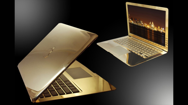 24 Karat Gold MacBook Air © Apple, Goldstriker
